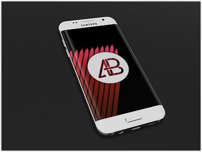 Realistic Samsung Galaxy S7 Mockup