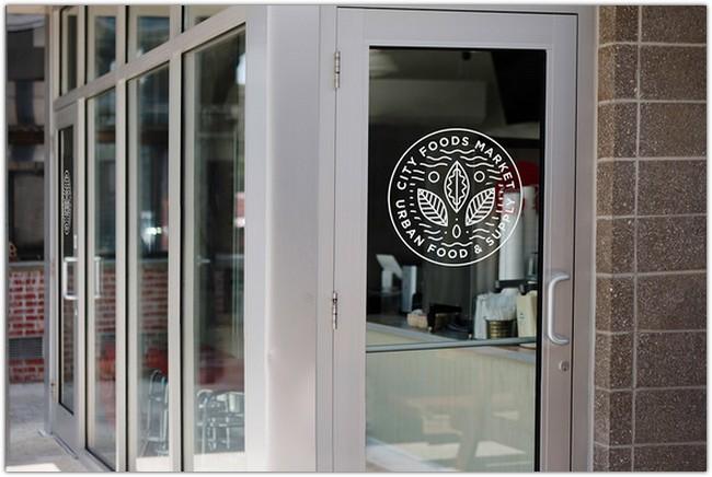 storefront-glass-mockup