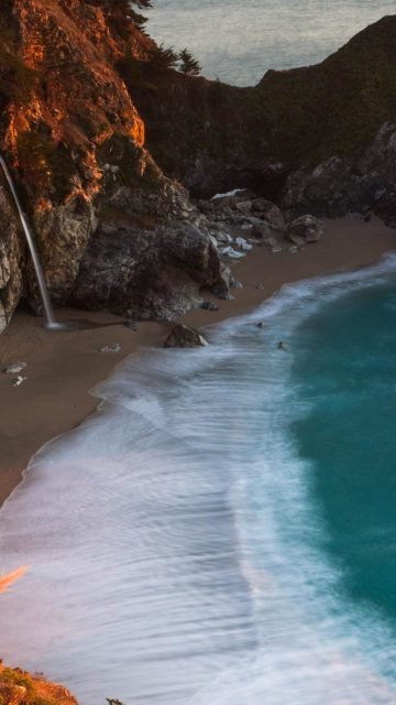 Beautiful Hidden Beach iPhone 8 Plus Wallpaper