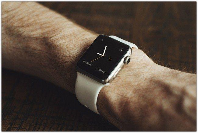 Apple Watch Mock-Up PSD Freebie