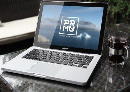Free PSD Mabook Mockup Download