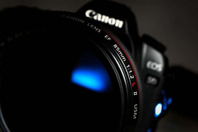 Canon-85-MM-Lens-1920 × 1280
