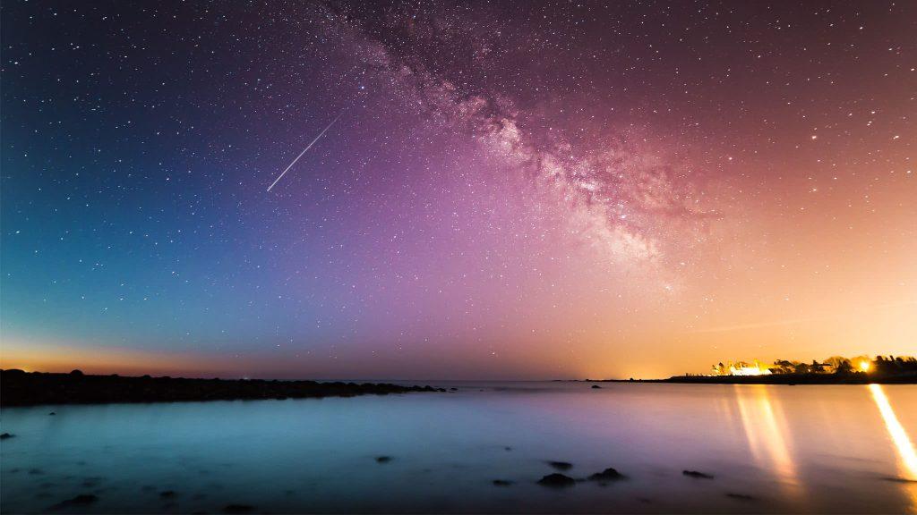 2048 × 1152 Galaxy Falling Star HD Background