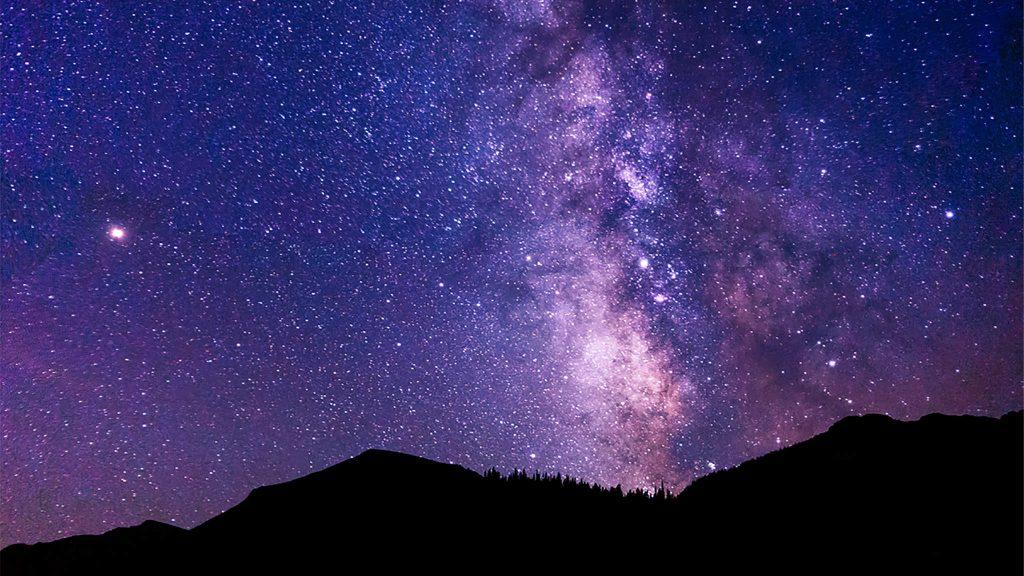 2048 × 1152 Hi-re Galaxy Background