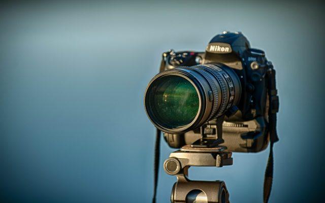 1920 × 1200-Nikon-D700