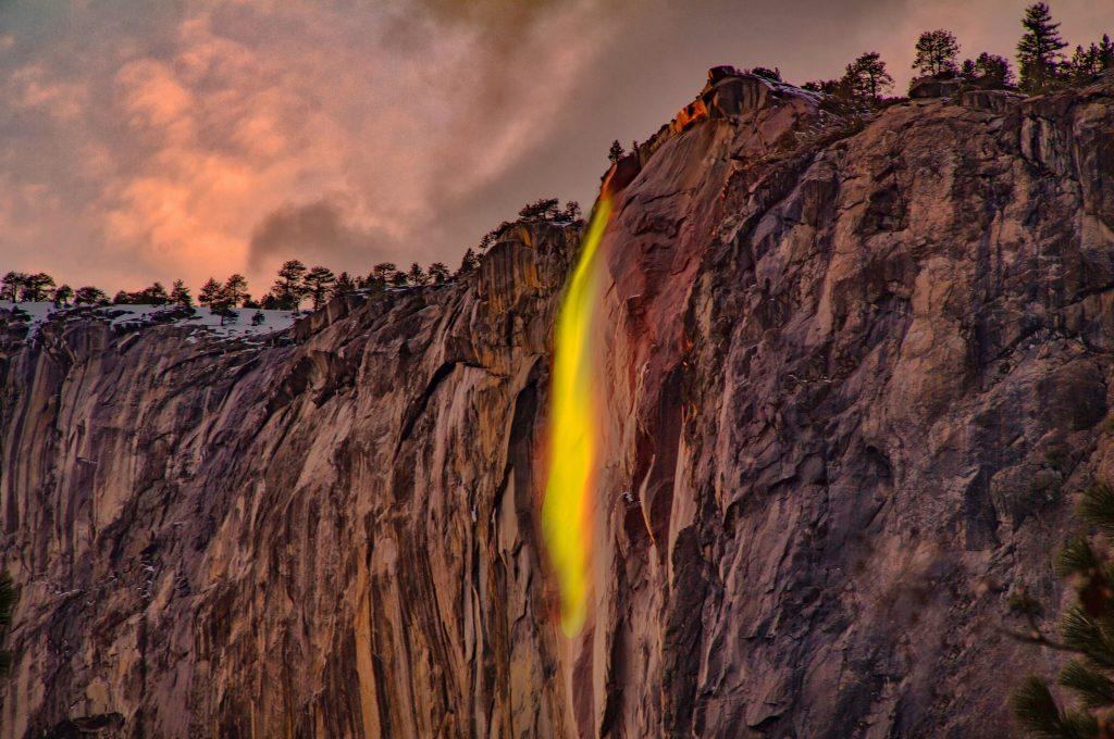 Beautiful Waterfall Tumblr HD Wallpaper-2560 × 1699