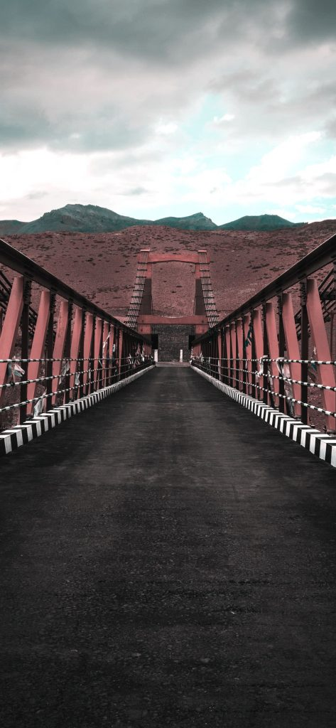 1125 × 2436 Cool iPhone XS Bridge Wallpapers
