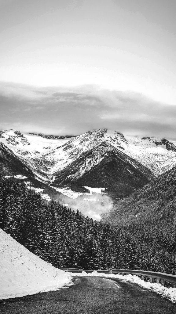Snow mountain black and white 1080×1920