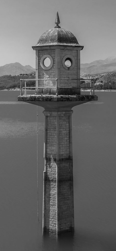 Old Tower black and white iphone XS wallpaper 1125×2436