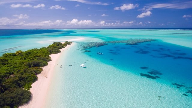 maldive Tropical Beach Background-1280 × 719