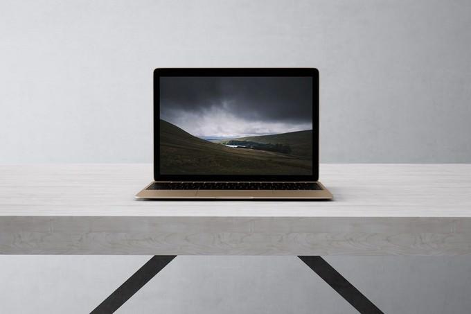 Laptop Mock-Up PSD