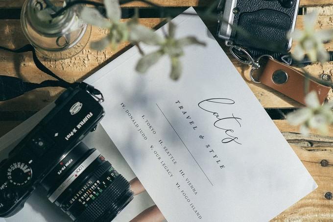 Its Miss Amber Script Font