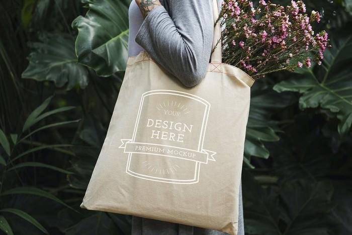 Women Tote Bag Mockup
